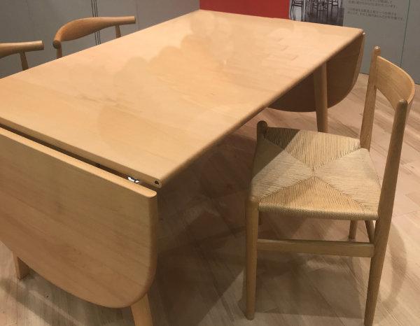 狭い日本の住宅で人気の拡張式テーブルは買取でも高値になりやすい