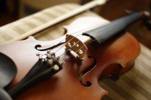 バイオリン、ビオラなどの弦楽器を売る前に